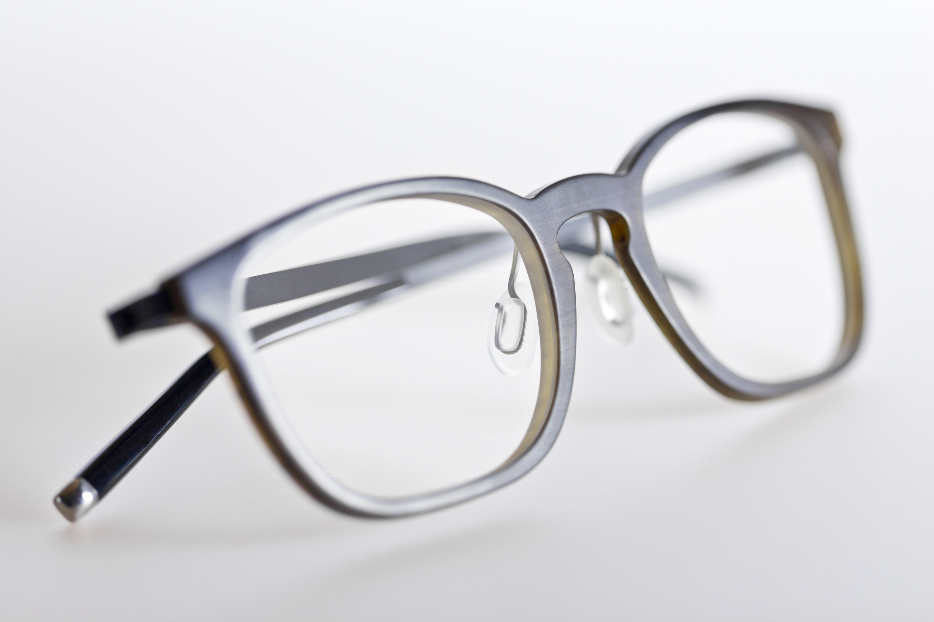 TI-LINE BY HOFFMANN NATURAL EYEWEAR