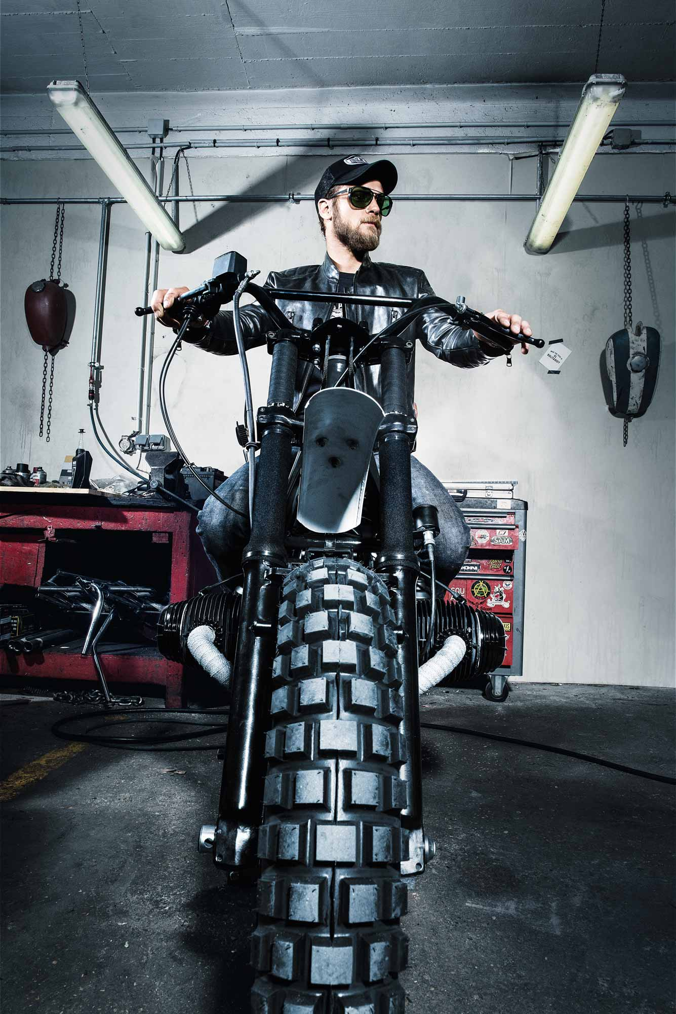 BLITZ MOTORCYCLE wearing LINDBERG