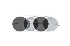 mykita-m-mm-sun-mmesse017-e1-silver-silver-flash-1508189-e13-white-dark-grey-solid-1508190-gs_300