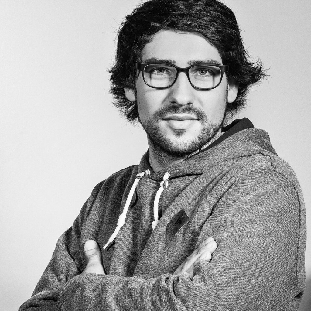 Martin Iljazovic – Rolf Spectacles