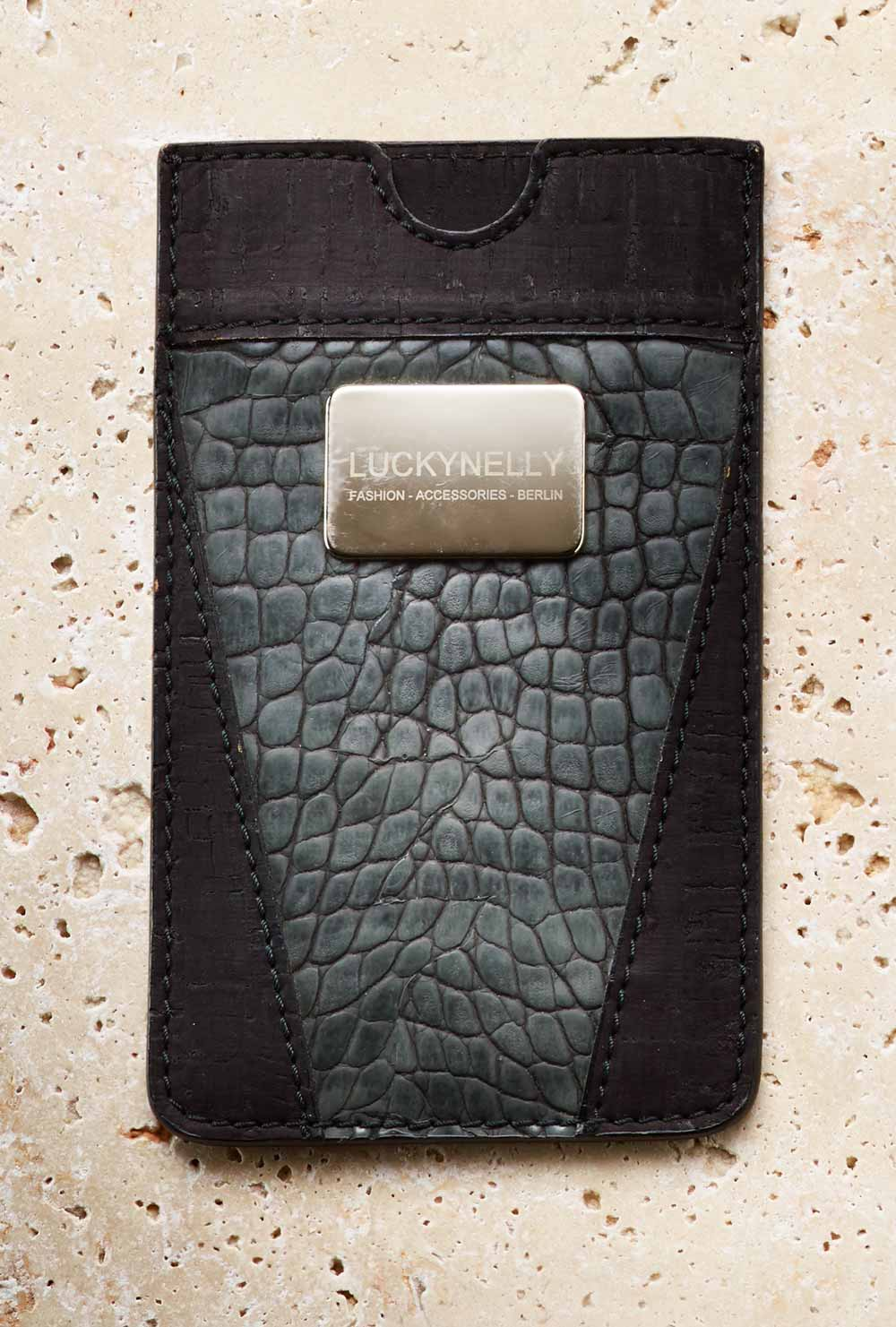 smartphone case: LUCKY & NELLY
